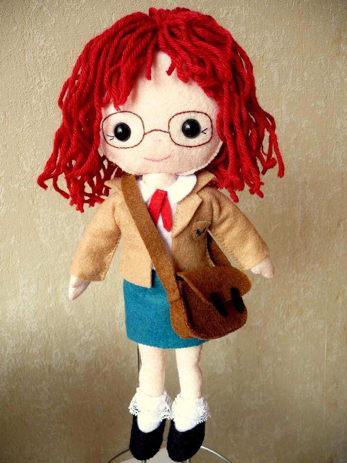 Julie part à l'école