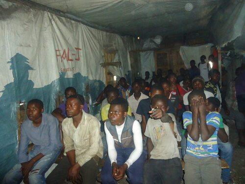 création d un cinéclub à la frontière Rdc Rwanda peace!