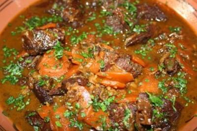 joue-de-boeuf-aux-epices--carottes-et-raisin-08-08-002.jpg