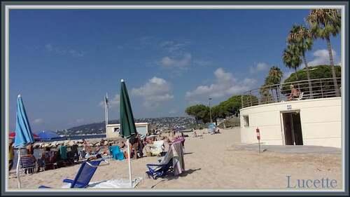 La création du jour : la plage d'Antibes