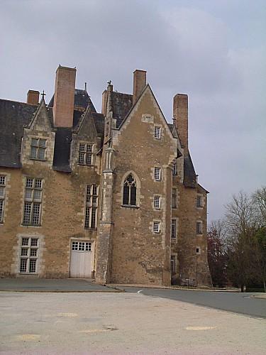 chateauBaugé0002