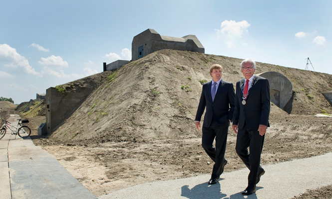 Willem Alexander et les fortifications