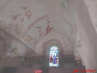 Saint Hilaire les places et son vieux bourg et son église romane du XII ème   «Un lieu d'exposition en période d'été»