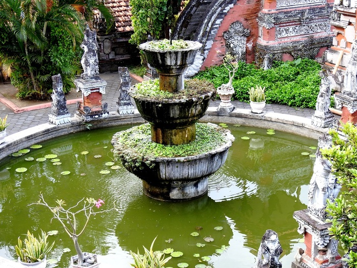 14 Août - Banjar, Holy Springs and Bouddhist Temple