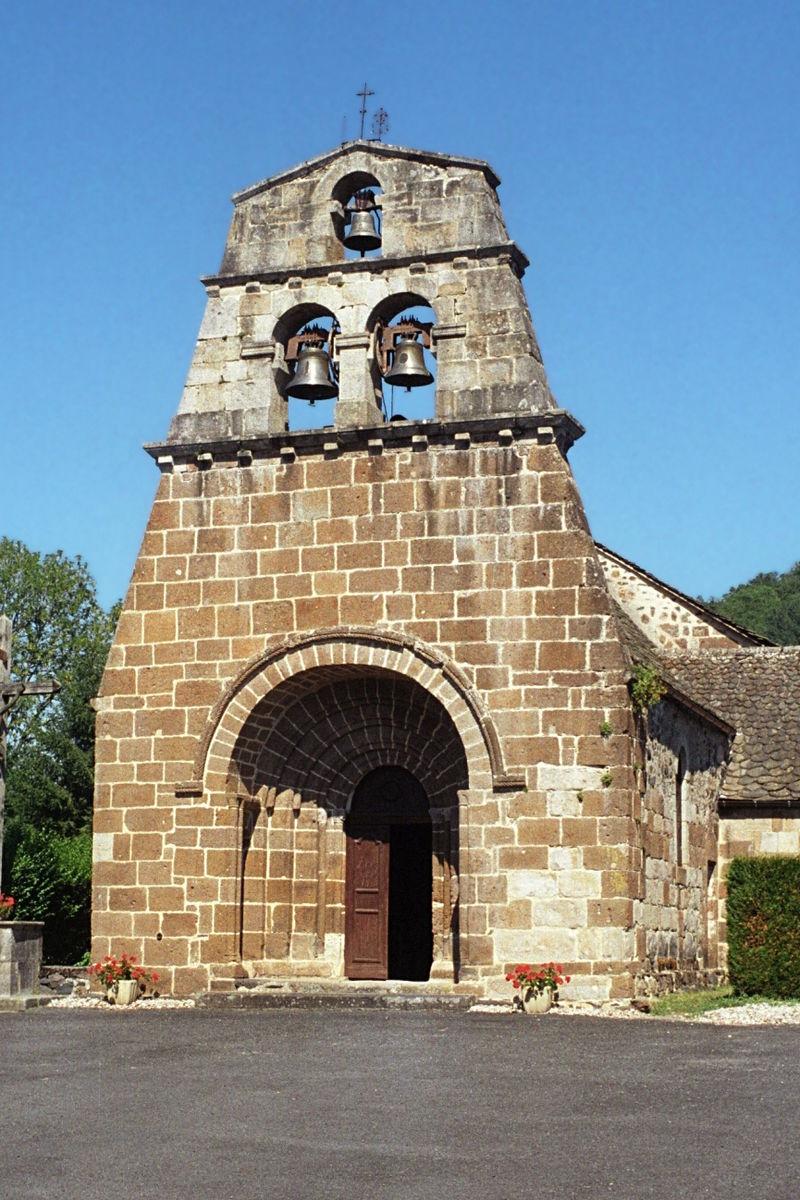Église Saint-Martin de Sauvat 2.jpg