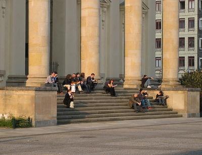 La vie sociale des petits espaces urbains (11) : les espaces pour s'assoir