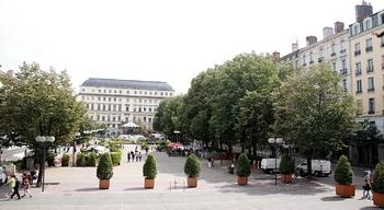 place-de-lhotel-de-ville-12-07-11
