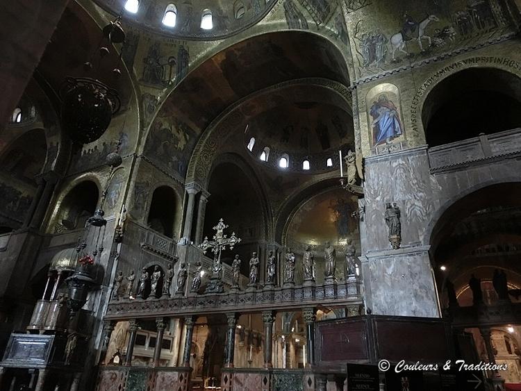 Intérieur de la Basilique St Marco