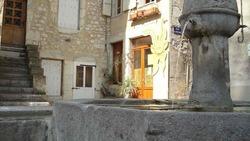 5...La fontaine COUMARI.