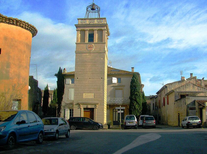 Saint-Hilaire-d'Ozilhan Beffroi.JPG