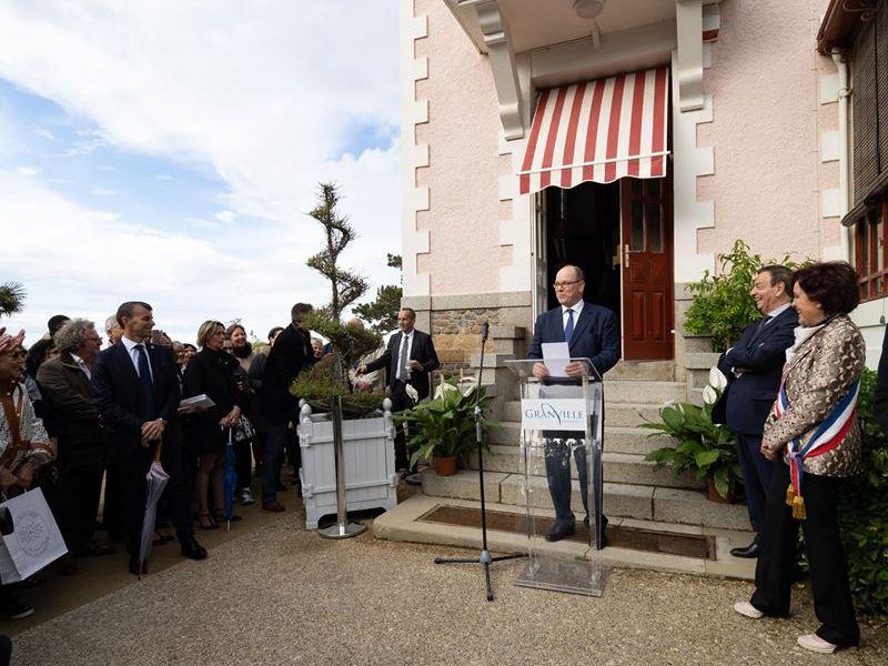 """""""Grace de Monaco princesse en Dior"""""""