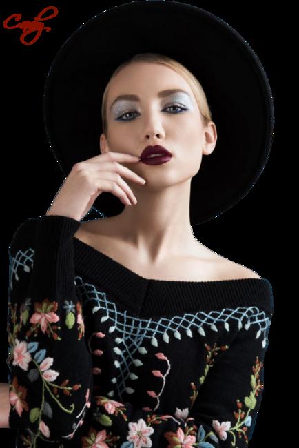 Nők kalapban, kendőben, turbánban