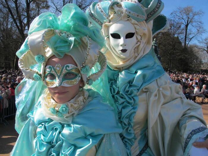 Carnaval vénitien au bord du Lac d'Annecy le 11 mars