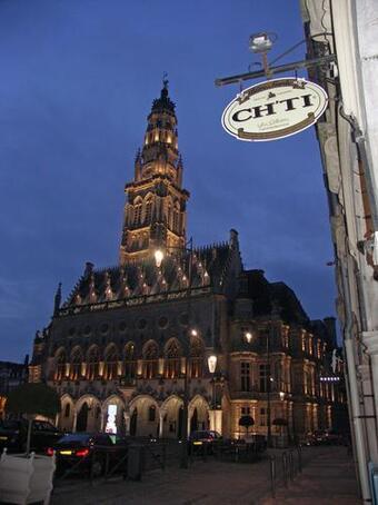 Arras-Befroi-de-l Hotel-de-Ville.jpg