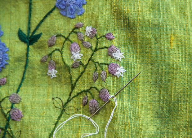 Broderie fleurs des prés... suite