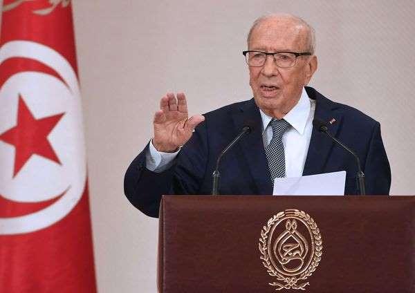 Héritage: le président tunisien prône l'égalité homme-femme
