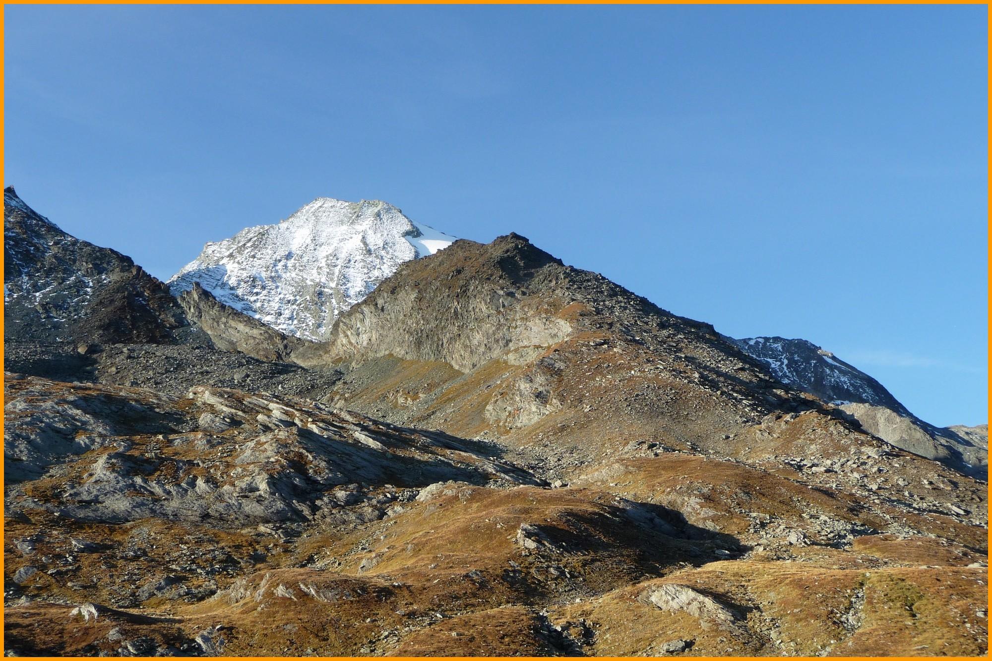 La face Nord du Mont Turia au soleil levant
