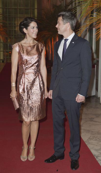 Mary et Frederik à une soirée