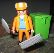 http://img.over-blog.com/299x297/0/54/47/88/oeuvres/eboueur_playmobil_1518.jpg