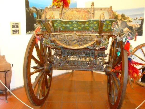 Carriole sicilienne décorée 1