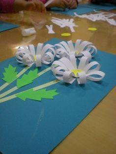 Idée Pinterest : Bricolages en forme de fleurs.
