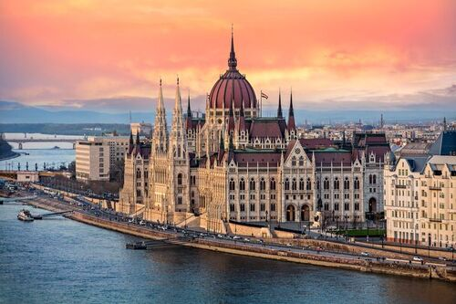 HONGRIE - Budapest, The Taste of Europe (Voyages)