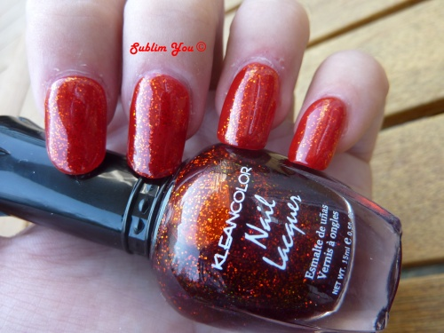 Swatche Kleancolor Chunky Holo Scarlet N°231