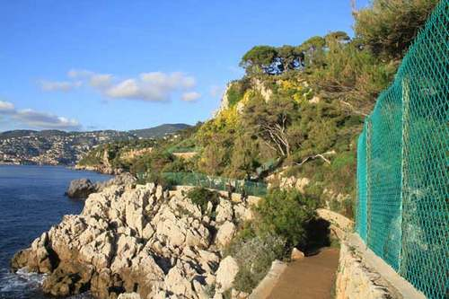 CÔTE D'AZUR  :  Villes et Villages  au royaume de Neptune.