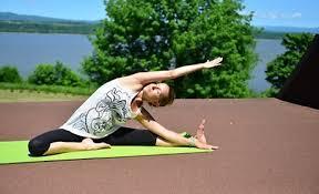 """Résultat de recherche d'images pour """"emoticone yoga"""""""