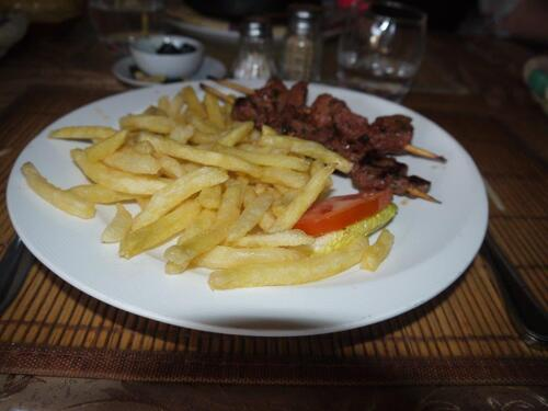 Pour une fois pas de menu marocain, brochette frites !!!