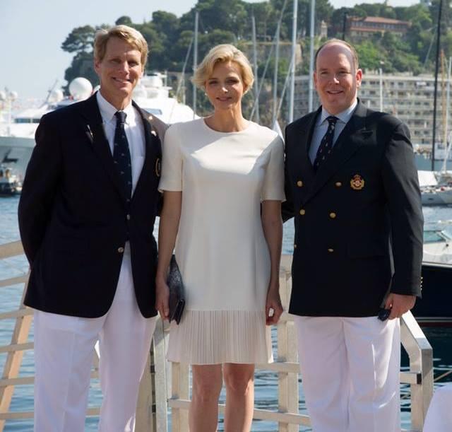 Encore au Yacht Club
