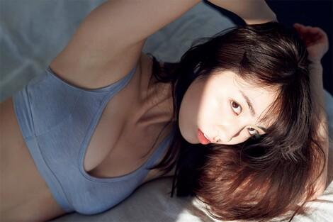 WEB Magazine : ( [FRIDAY Digital - Gravure] - |FRIDAY - 06/03/2020 - Yurina Yanagi : 柳ゆり菜 みんな大好き〝癒やしのミューズ〟が彼女だったら……| )