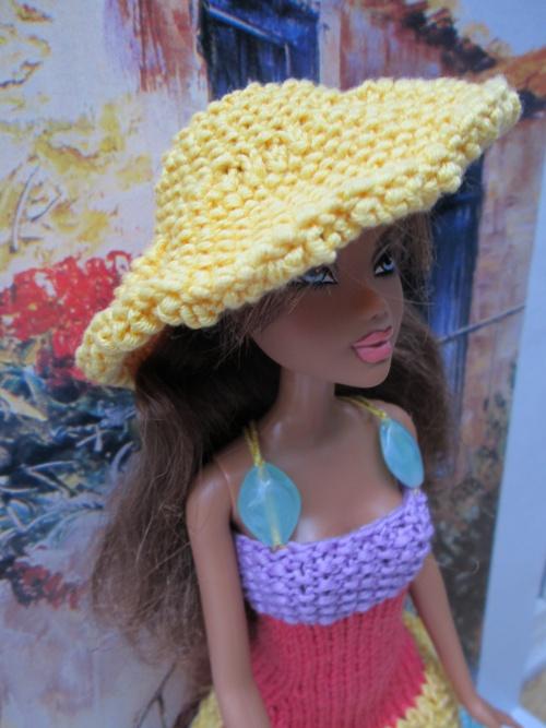 Diverses formes d'encolures pour robes barbie