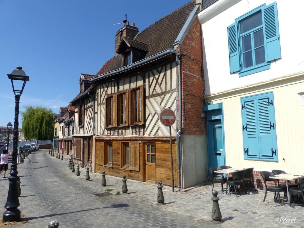 Le quartier Saint-Leu d'Amiens en été