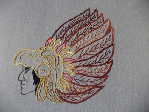 Matériel de brodeuse et guerrier Maya