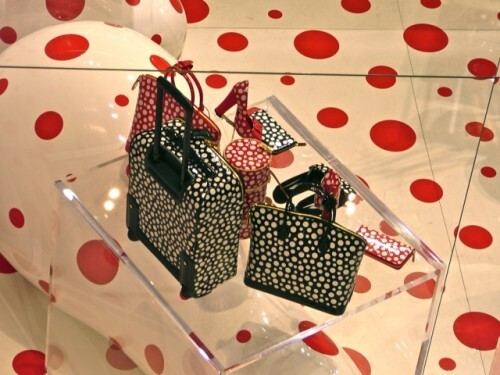 Kusama-pop-up-store-Vuitton-Printemps-sacs-4.jpg