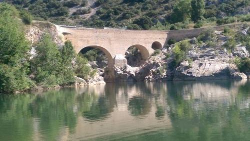 Le pont du diable à Saint-Guilhem le désert  (Vaucluse)