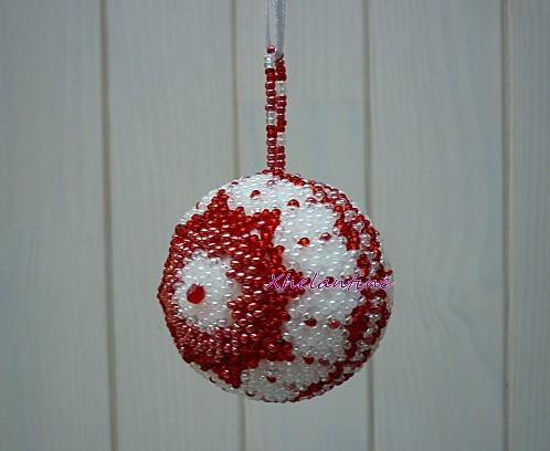 boule de noel rouge et blanc 1