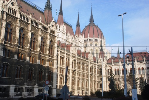 Budapest: autour du Parlement à Pest (photos)