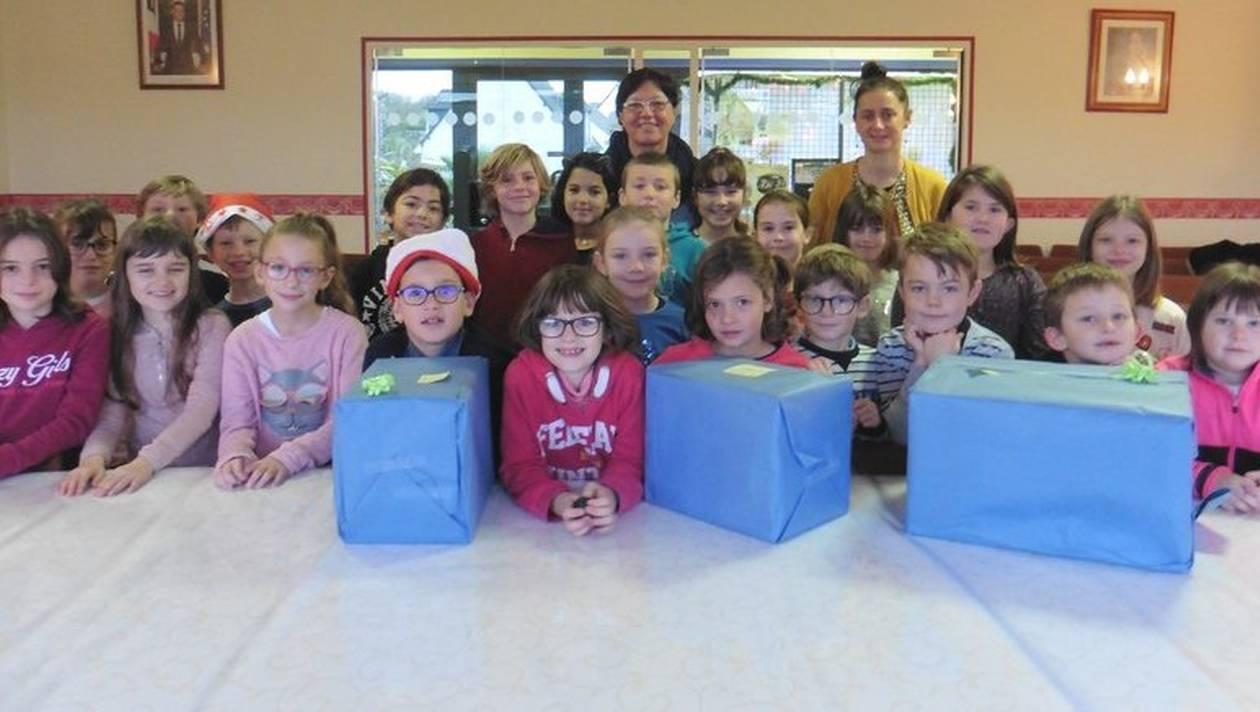 Les élèves de cours élémentaires de l'Immaculée-Conception ont joué au Père Noël.