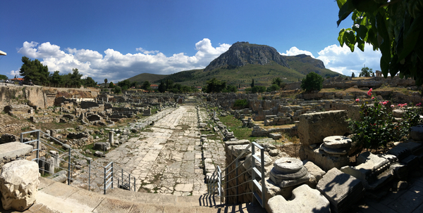 Ancienne Corinthe et acro Corinthe