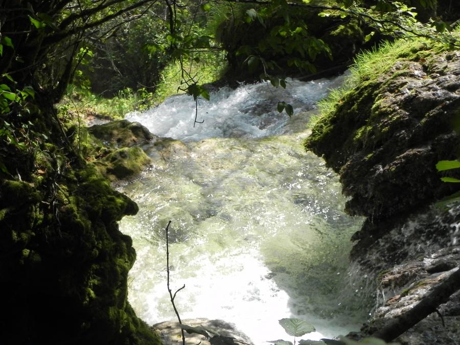 Ballade à la cascade des Tufs à Mesnay