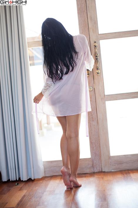 WEB Gravure : ( [UNO x Girlz HIGH!] - | お姉さんが、アツい夏を教えてあげる 三田羽衣 Gallery No.18 - Vol.04 : 黒ビキニ | Ui Mita/三田羽衣 )