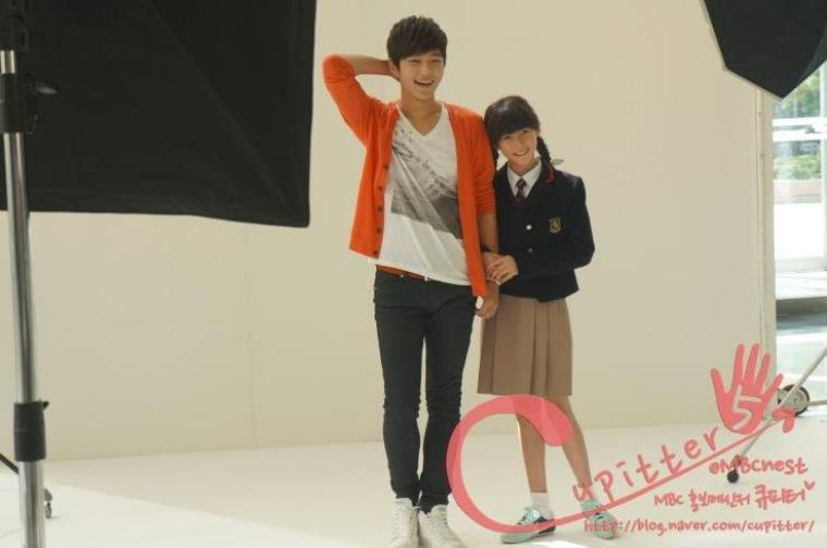 12.10.12 Myungsoo – MBC What is mom BTS