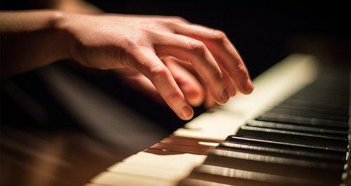 EUROPEAN JAZZ TRIO - Clair de Lune (Debussy) (Smooth jazz)