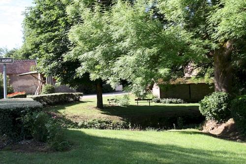 Lachy, une petite randonnée pour petits et grands, qui peut aussi se faire en famille. Ce village est un village typique de la marne, il a pourtant une particularité, sur son territoire se trouve la source du Grand Morin qui se jettera à plusieurs dizaines de kilomètres dans le fleuve La Marne. Agréable à visiter, vous pourrez profiter du patrimoine intéressant.  Visitez son église et aussi son oratoire. Les abords du Grand Morin sont agréablement aménagés.