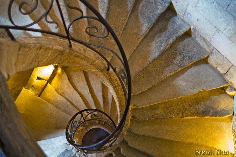 collégiale saint- mexme, l'escalier