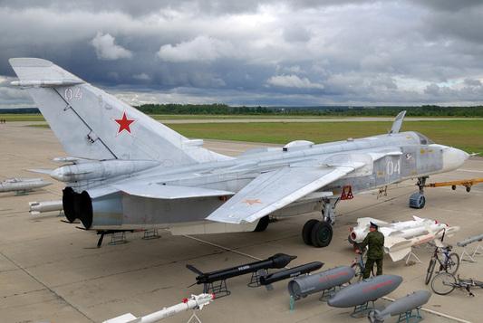 SU-24_4[1]
