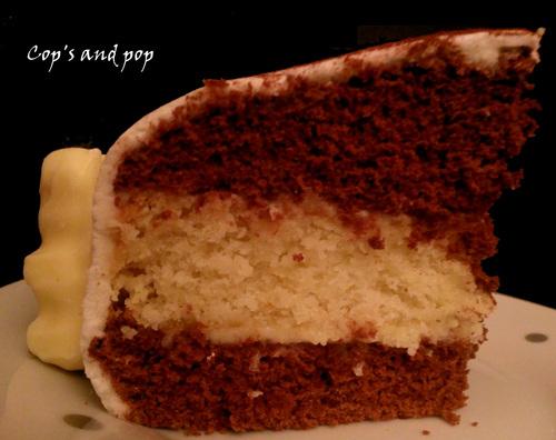 ♥ Gâteau ronde des oursons: gâteau chocolat/noix de coco, pâte à sucre aux chamallow ♥