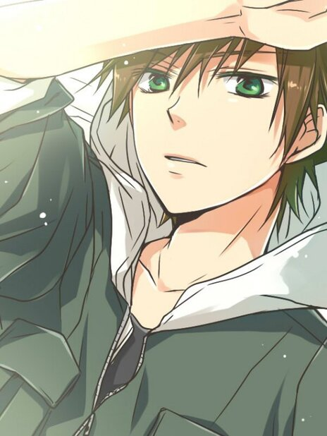 Romain le garçon avec cheveux brun est les yeux vert ^^
